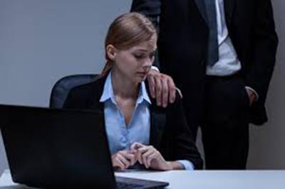آزار جنسی در محل کار، چگونه با آن برخورد کنیم؟ za4 39538