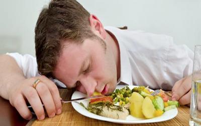 کدام غذاها باعث ایجاد مسمومیت میشوند؟ foods cause poisoning1 1