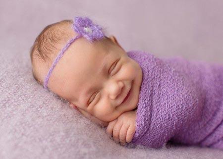 لبخند نوزاد در هر سنی نشانه چیست؟ smile baby sunnis23