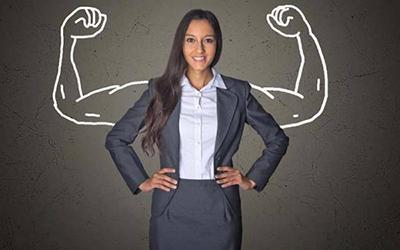 ۱۳ ویژگی ای که زنان را قوی و برای مردان جذاب می کند za4 39639